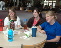 Students at Stauffer Commons eating-9